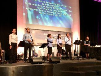 Музыкальная группа из церкви «Святая Иоппия» Париж с евангелизационной программой в городе Бад Дюрхайм. 2017 год.